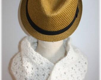 White 100% Snood angora made crochet