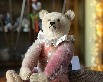 Pretty in pink of all shades MIRANDA, a handmade limited edition Gregory Gyllenship bear