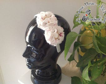 Headband for hair with large flowers in white and red satin