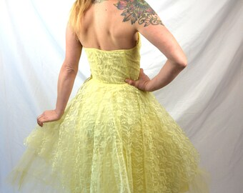 Vintage 1950s Yellow Lace Strapless Bombshell Party Formal Dress