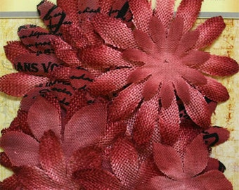Petaloo Textured Elements Burlap Canvas Daisy Layers in Antique Red