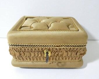 Vintage Wood Silk Covered Jewellry Trinket Sewing Box Padded Lid Key
