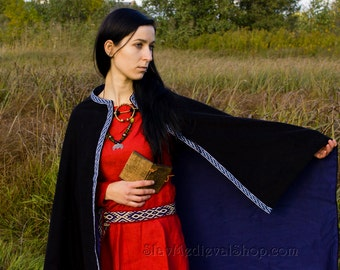 Viking cloak for woman with selvadge, Valkyrie, medieval, historical cloak for woman, viking, fantasy, goth,