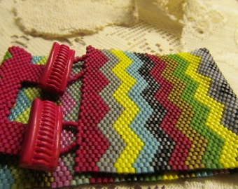 Peyote Beadwoven Bracelet cuff Chevron style multicolored vintage button closure