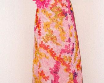 Vintage 1970s Hot Pink Halter top Floral dress... Gorgeous!