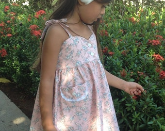 Girls Bodice Floral Dress w/Lace Trimmed Pocket, Handmade on Kauai, Hawaii