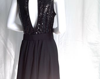i Magnin / Laundry SHELLI SEGAL Sequin Embellished LBD Fit & Flare Party Dress w Sparkle Flair Wide Belt and Keyhole Back - Dead Stock 1993