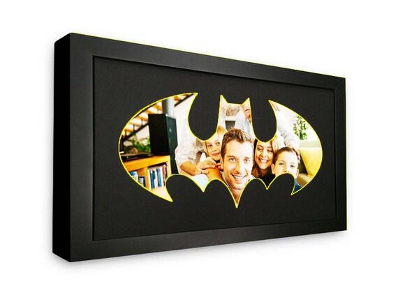 Batman Classic Logo foto estera en marco para mostrar tus