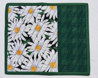 Quilted Fabric Mug Rug Green and White, Daisy Mug Rug, Large Daisy Coaster, Handmade Gift, Spring Floral Mug Rug, Quiltsy Handmade