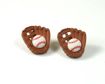 Baseball earrings, Baseball mom studs, Baseball studs, Gloves earrings, Baseball gloves studs, Sports earrings, Sports studs