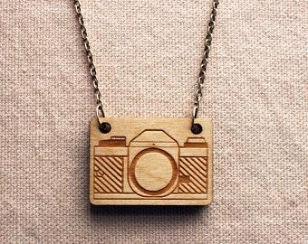 Vintage Camera Necklace : wooden camera pendant