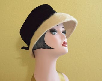 1960's Beige Bucket Hat with Wide Black Velvet