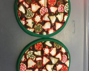 Quilted christmas cookies potholders (set of two)