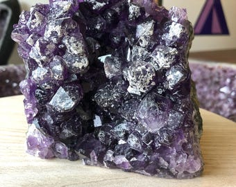 Amethyst with quartz Druze