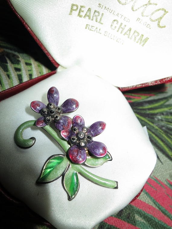 Lovely vintage  purple and  green enamel  flower brooch