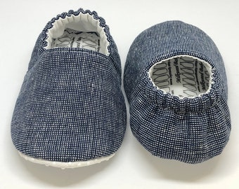 Baby Moccs: Navy & White Plaid / Baby Shoes / Baby Moccasins / Childrens Indoor Shoes / Vegan Moccs / Soft Soled Shoes / Montessori Shoes