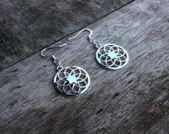 Mandala Filigree Earrings,Boho earrings,Silver Tribal earrings,Mandala Buddhism earrings,Gypsy earrings,Hippie earrings,Star silver filigree