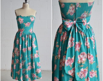 1990s teal rose print dress · turquoise strapless dress · back bow · sweetheart neckline · smocked back · corset bodice dress · small