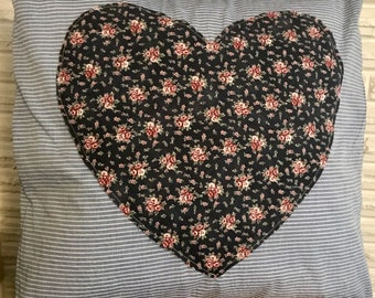 SweetHeart Pillow - navy Floral