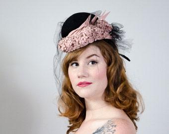 1930s vintage hat / black crepe and pink wool veiled tilt hat / Germaine Montabert