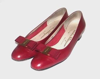 1990s Salvatore Ferragamo heels / vintage 90s Ferragamo shoes / 8 Narrow / leather / Ferragamo Vara Heels in Red