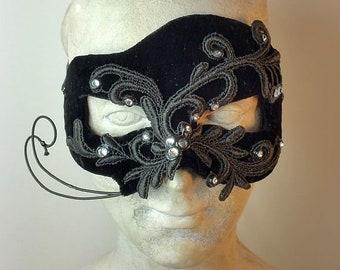 Black Masquerade Mask//Masquerade Mask Black//Masquerade Mask//Mask//Halloween Masquerade Mask//Mardi Gras Mask//Carnival Masquerade//Masks