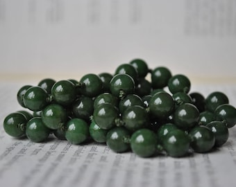 Vintage Jade Necklace, Nephrite Beads - 1950s Handknotted, Round Jade Bead Necklace, Free Shipping