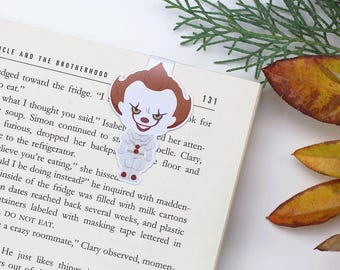 Pennywise - Magnetic bookmark - It || horror, stephen king, clown, horror, scary clown, it movie, losers club, book lover gifts