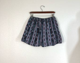 80's vintage navajo all over print cotton shorts size w30-32