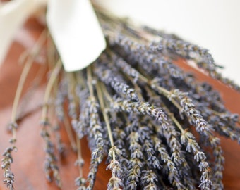 SALE! Dried Lavender Bunch, Grosso(French) Lavender, wedding decor, do-it-yourself wedding, lavender