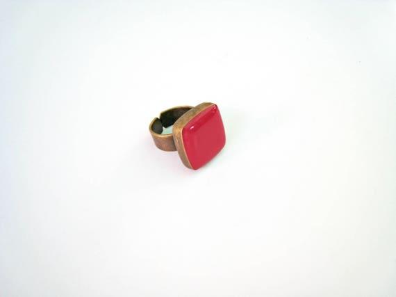 Dark Pink statement ring, bronze fuchsia pink ring, raspberry pink resin ring, square ring, modern minimalist jewelry, color block jewelry