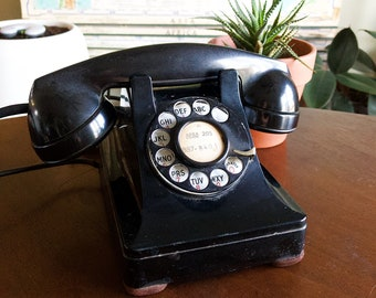 Vintage Art Deco-Style Western Electric Rotary Telephone