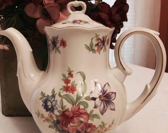 Beautiful Favolina Tea pot (c.1970)