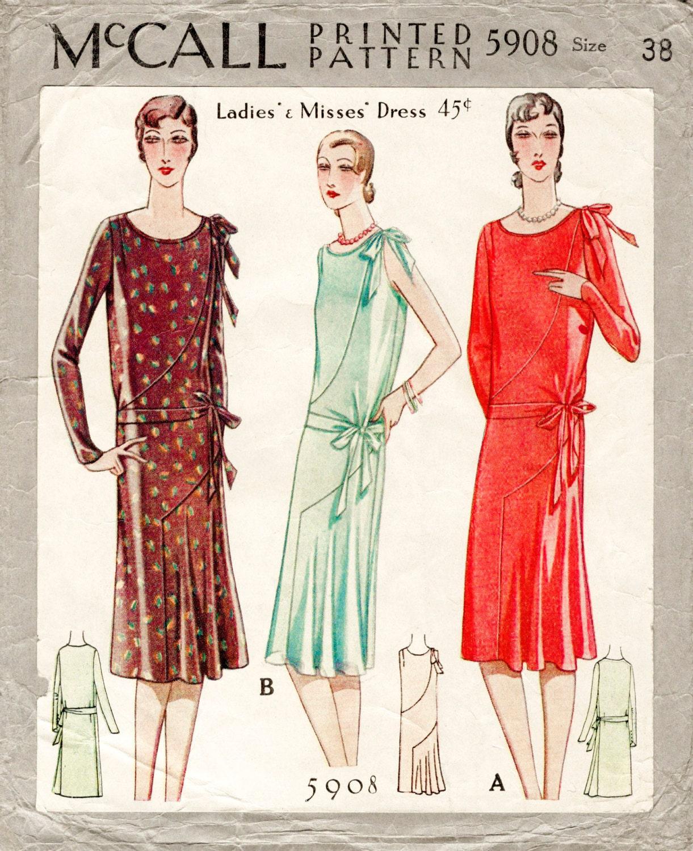 1920s 1930s Flapper Tag oder Abend Kleid schräg geschnitten
