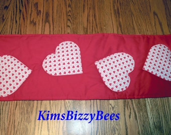 Valentine Table runner, Hearts Table Runner, Red, Pink, White, Quilted, Cupid Table Runner, Romance, Home Decor, Dining Table Runner