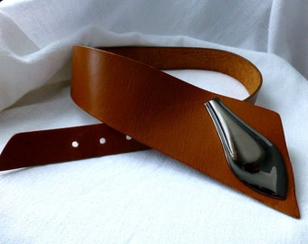 Stylish Tan Leather Fashion Hip Belt  - Size S/ M- Retro Vintage  80s Canadian Made Tan Leather Asymmetrical Belt