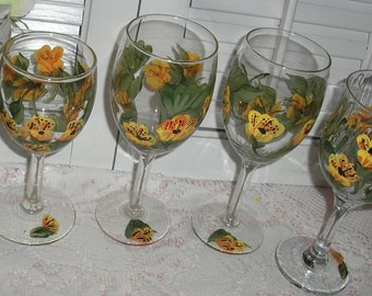 Hand Painted Daisey  Wine Goblets Four