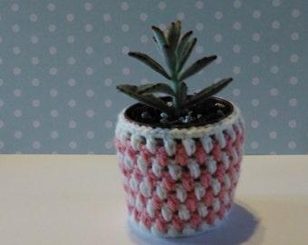 Crochet succulent planter round handmade plant pot