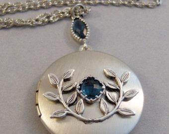 Wild Sapphire,Sapphire Necklace,Vintage Sapphire,Vintage Locket,Sapphire Locket,Sapphire Jewelry,Sapphire,Blue Locket,valleygirldesigns