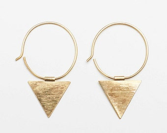 Triangle dangle brass earrings, triangle earrings, brass earrings, traingle brass earrings, triangle jewelry, brass jewelry, geometric
