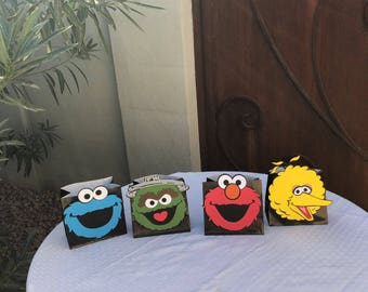 Elmo/ Sesame Street/ Cookie Monster/ Big bird / Oscar/ DIY centerpieces