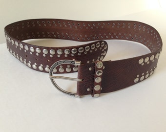 1980's Norma Walters brown leather belt with silver studs size 6 made in Italy embossed lizard pattern