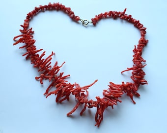 Vintage Natural Italian Red Branch Coral Bib Necklace 42.1 g