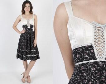 Gunne Sax Dress Black Dress Renaissance Dress Satin Dress Vintage 70s Calico Floral Boho Hippie Prairie Bohemian Summer Corset Mini Dress