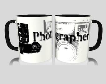 Photographe et appareil photo en noir et blanc Mug