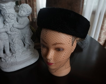 Vintage, Irene Hat with Veil Netting
