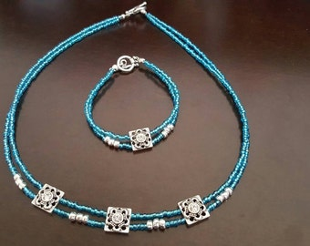 Youth/Woman's Small Blue and Silver Necklace and Bracelet set ***FREE SHIPPING***