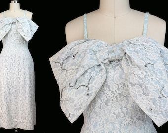 Vintage 1950s White Lace Soft Blue Lining Fitted Dress with Large Front Bow & Beading / Size M / Medium