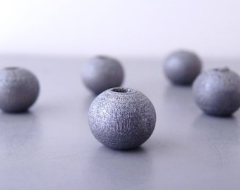30 round beads 8 mm - silver gray color (PB0103) stained wood