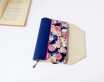 Protects-pocketbook adjustable fabric with bookmark (Japanese cherry/blue marine_beige patterned fabric)